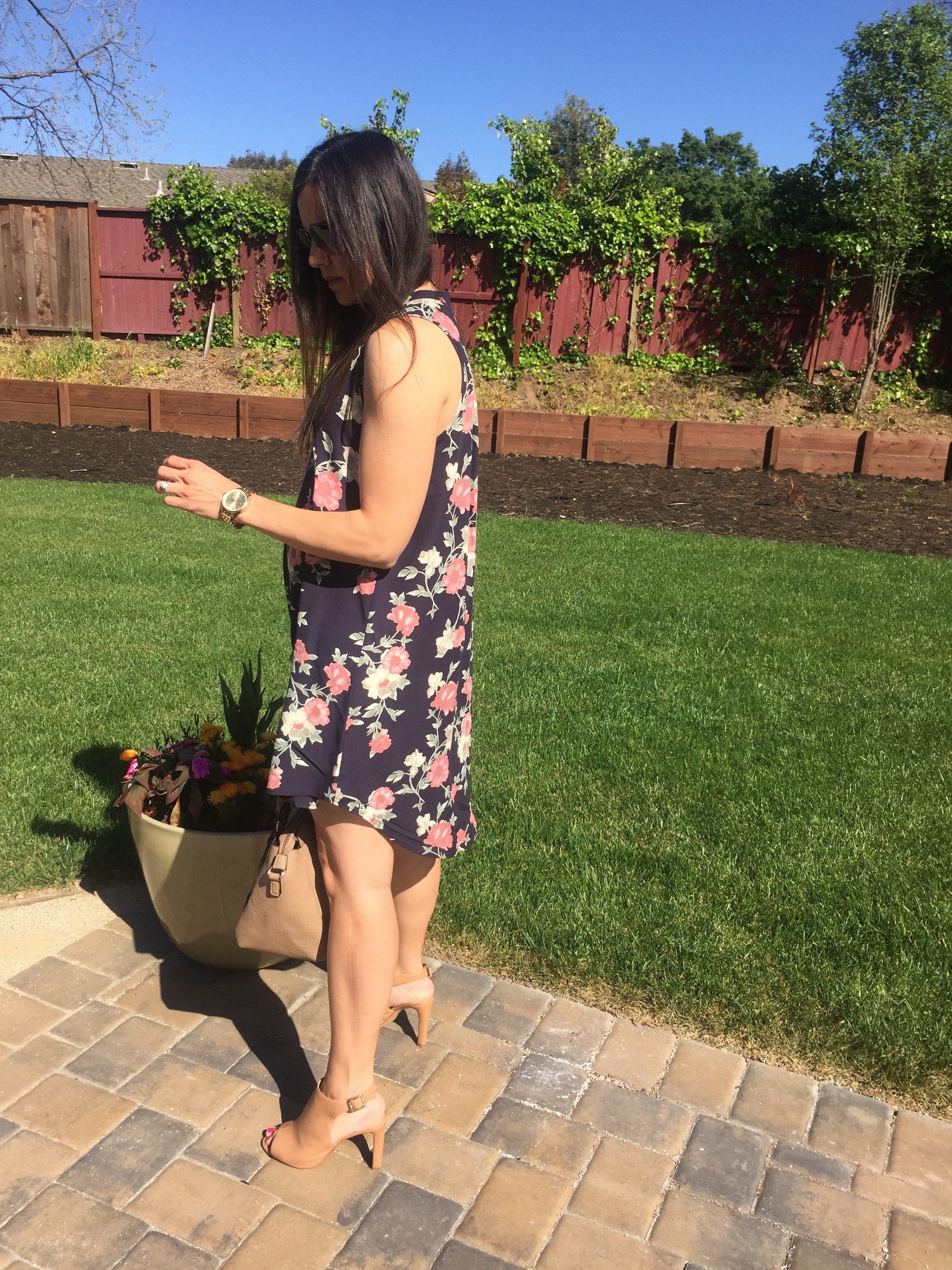 How to style a floral dress   spring style ideas   spring fashion tips   styling for spring and summer   warm weather fashion
