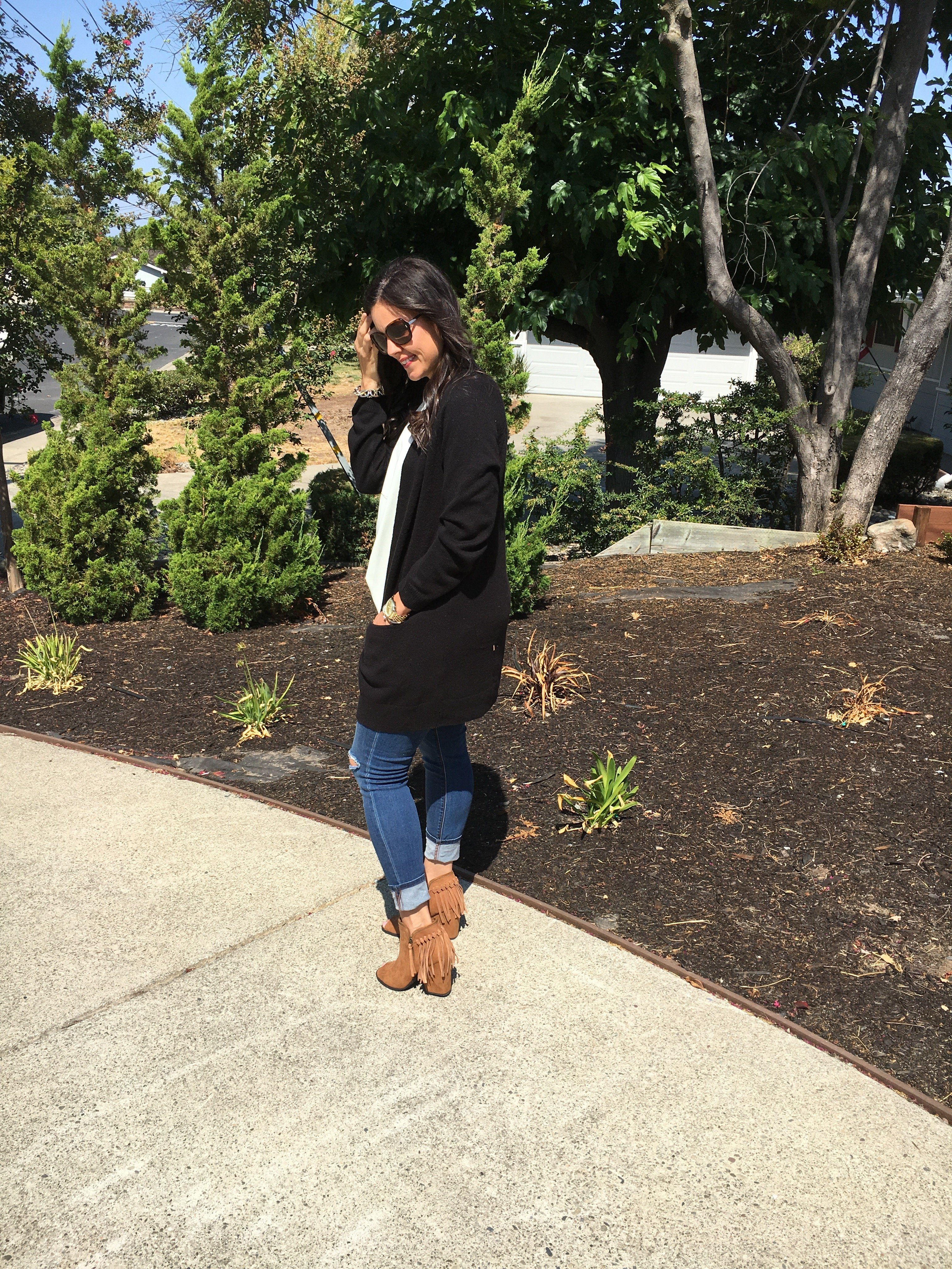 How to style cardigan | fall and winter style | fall fashion | cool weather fashion | fringe booties | how to style booties
