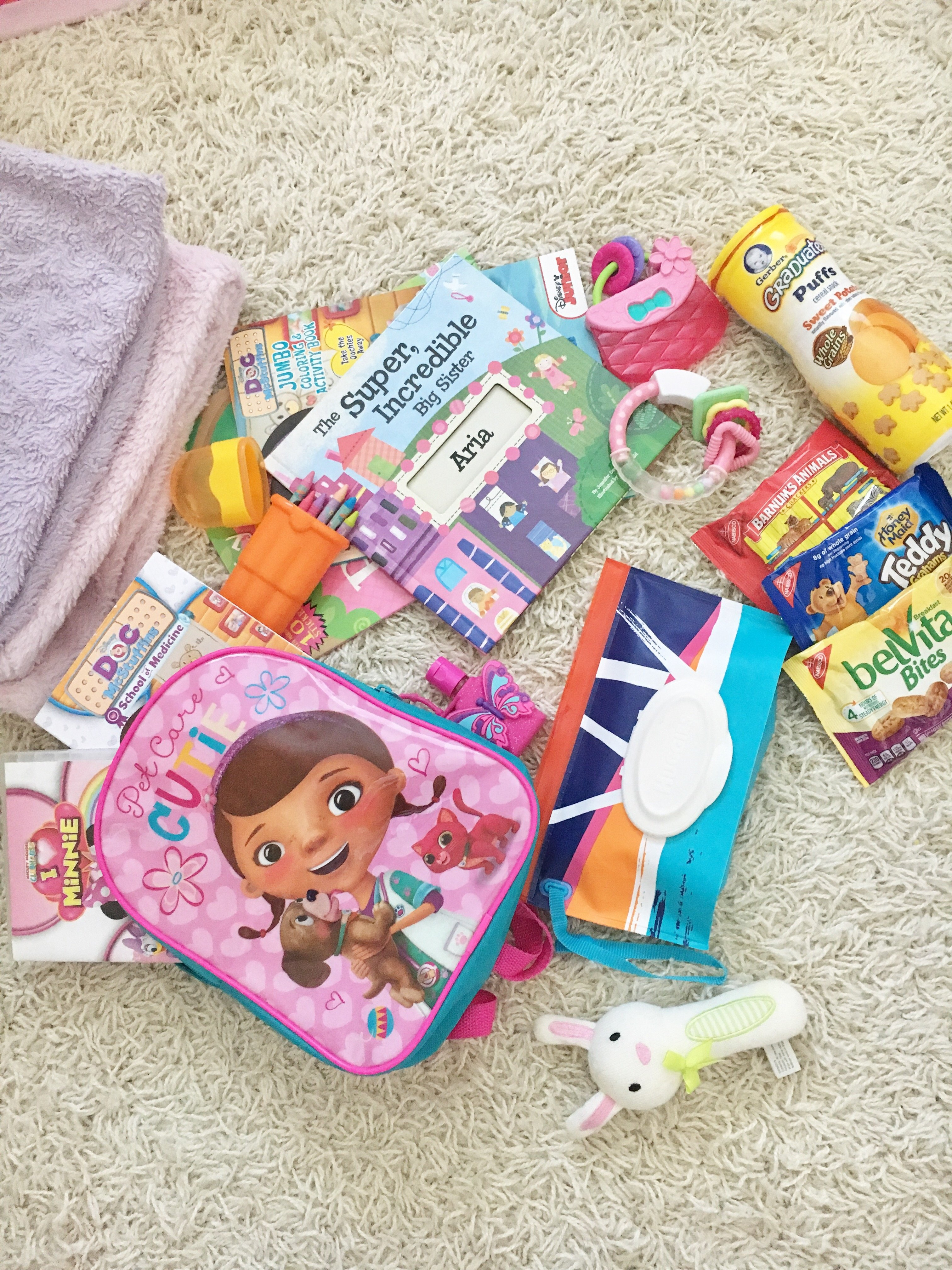 Traveling With Toddlers + Infants | Airplane travel with toddlers and infants | Travel tips with infants | Travel kit