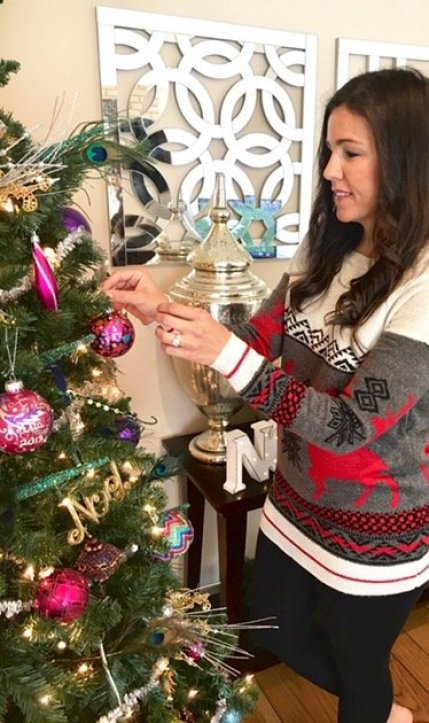 Christmas decor ideas | tips for decorating Christmas tree | how to decorate Christmas tree