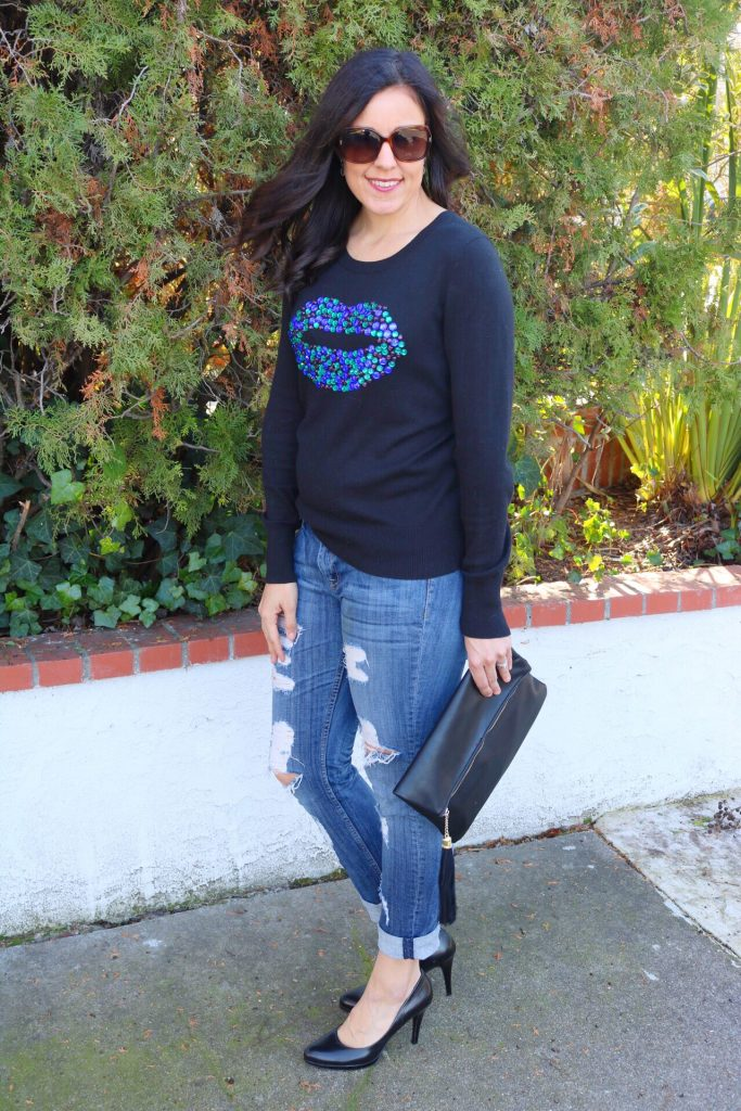 Holiday sweater | fall and winter style | winter fashion tips | cold weather | what to wear Valentines | black pumps