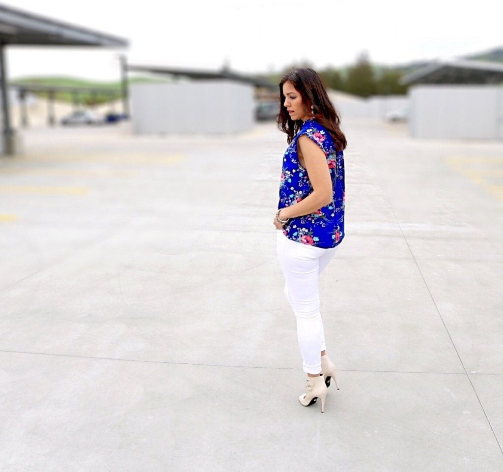 How to style floral top | spring and summer style ideas | spring fashion tips | warm weather