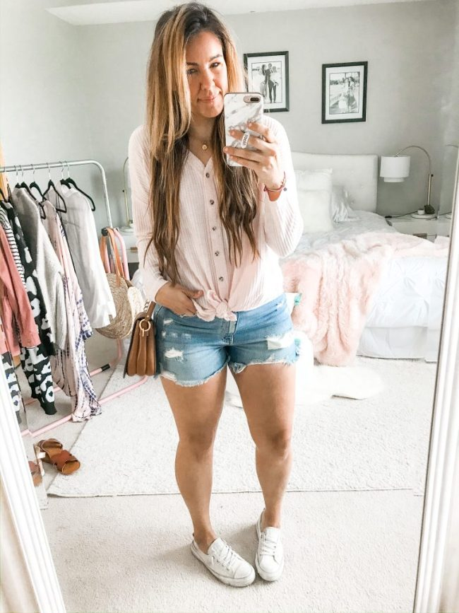 Denim Shorts Outfit Ideas