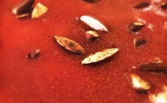 Jordbær-rabarber grød med mandler og kanel
