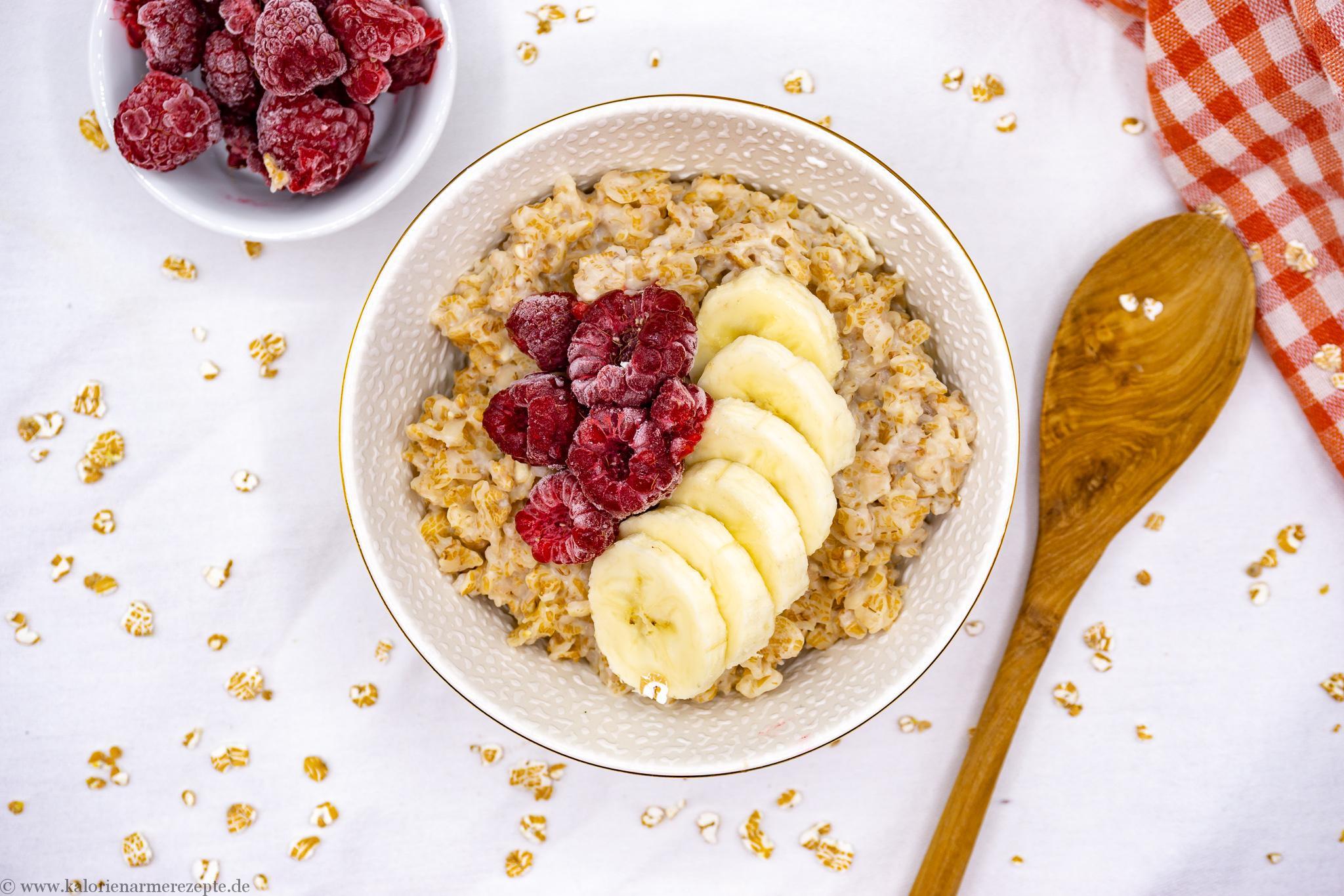 Foodtrend Porridge - gesundes, kalorienarmes Frühstücksrezept