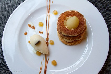 Light millefeuille cake with pear sorbet