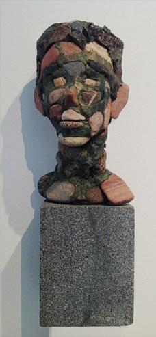 """""""Nuorukainen"""". Pronssi, kivi 2009."""
