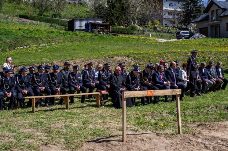 Poświęcenie i wmurowanie kamienia węgielnego pod nową remizę OSP w Łaśnicy - 26 kwietnia 2019 r. - fot. Andrzej Famielec - Kalwaria 24