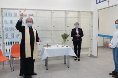 Poświęcenie nowej apteki Hygiea w Kalwarii Zebrzydowskiej - 6 maja 2021 r. - fot. Andrzej Famielec - Kalwaria 24-03206