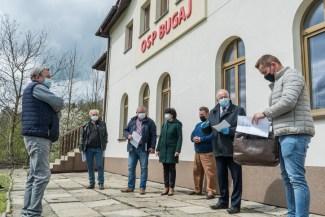 Przekazienie placu budowy remizy OSP Bugaj - 6 maja 2021 r. - fot. Andrzej Famielec - Kalwaria 24-03234