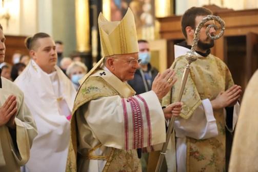 Arcybiskup Marek Jędraszewski udzielił święceń kapłańskich pięciu Bernardynom w Kalwaryjskim Sanktuarium - 5 czerwca 2021 r. - fot. Biuro Prasowe Archidiecezji Krakowskiej