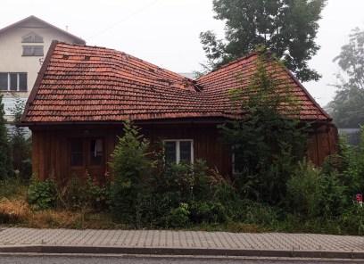 Rozpadający się budynek na ul. Krakowskiej - 13 lipca 2021 r.