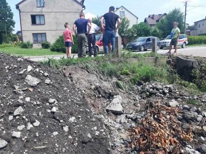 Zniszczenia spowodowane opadami deszczu - 16 lipca 2021 r. - fot. UM w Kalwarii Zebrzydowskiej
