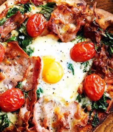 Eggs-Florentine-pizzas