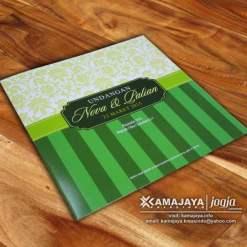undangan pernikahan hijau pupus