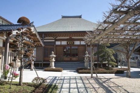 妙長寺本堂。
