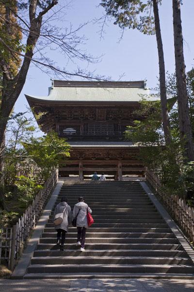 円覚寺三門。