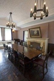 1階の食堂。陽光が差し込みます。
