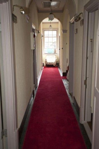 2F廊下。