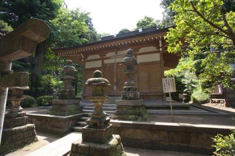 熊野神社の拝殿。