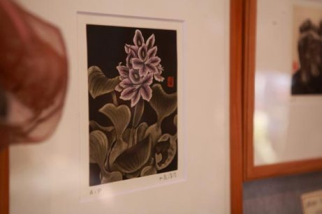 平成24年(2012年)に亡くなられた鎌倉生まれ/在住の日本画家、小泉淳作さんの銅版画、ほてい草、84,000円(額代込み)。建長寺の天井画が有名です。最後は十二所にお住まいでした。Meri Hariでは存命中に何点か分けていただいており、他にも図版があるとのこと。