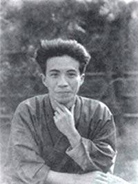 1925年(大正14年)、28歳の大佛次郎。