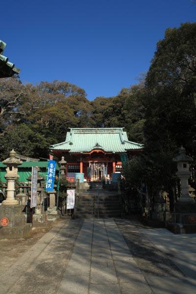 〈頼朝〉源頼朝の愛した三崎めぐり。海南神社。潮風と陽光、千年の重厚をいま感じる充実感があります。