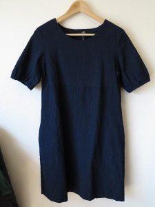 会津木綿のパフスリーブワンピース1(ヤンマ産業)/19,900円(税別)。普段にもちょっとしたお出かけの時にも。
