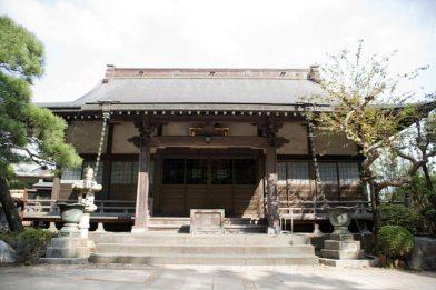 法源寺本堂。
