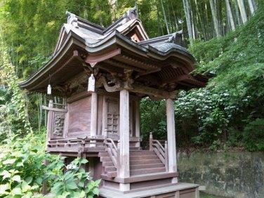 龍寳寺境内の金毘羅様。