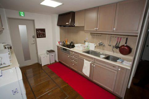 台所。立派なもので、大抵の料理はできそうです。