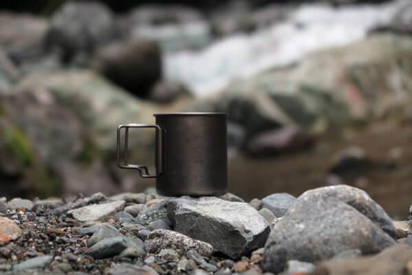 朝一の清流でお茶。道志村で汲んだ美味しい水を使いました。