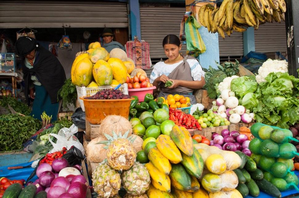 mercados-otavalo-ecuador_12