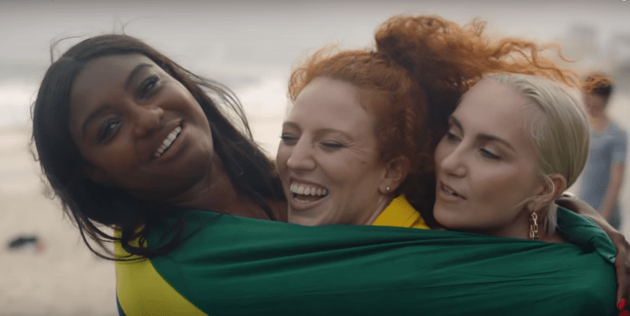 jess-glynne-all-i-am-is-you-clipe-brasil