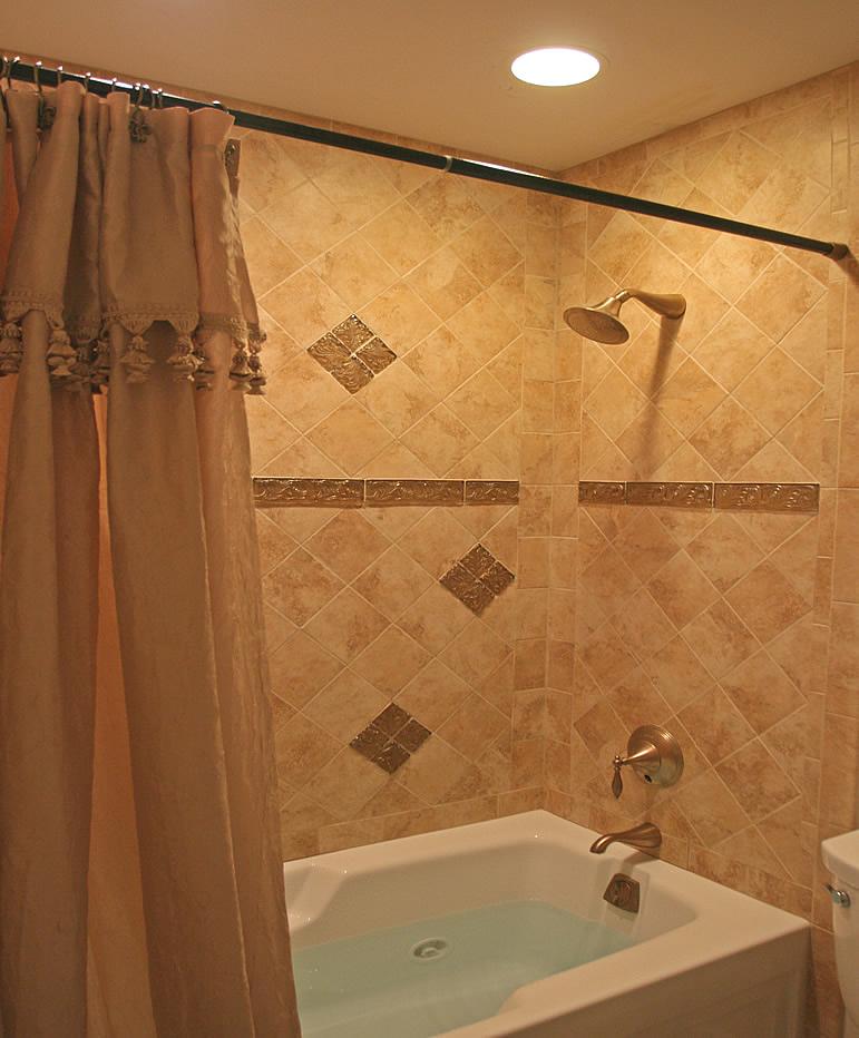 Bathroom Shower Tile Ideas - Kamar Mandi Minimalis on Bathroom Tile Design Ideas  id=52920