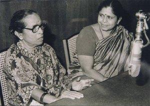 gangubaihangal-with-Jyotsnakamat-kamat