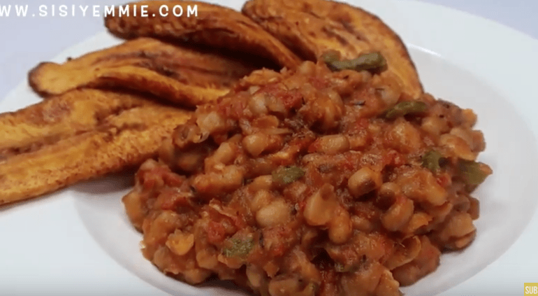 Kamdora Kitchen – Watch Sisi Yemmie's Interesting Way Of Cooking Beans Without Palm Oil