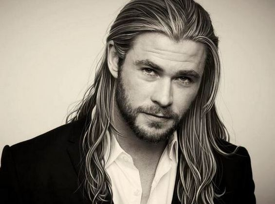 #MCM: 5 Pictures Of Chris Hemsworth That Will Make You Fall In Love