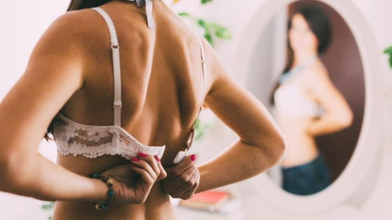 8 Signs You Are Wearing The Wrong Size Of Bra