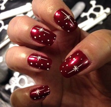 7 Classy Nail Art Designs That Would Speak On Your Behalf This Christmas