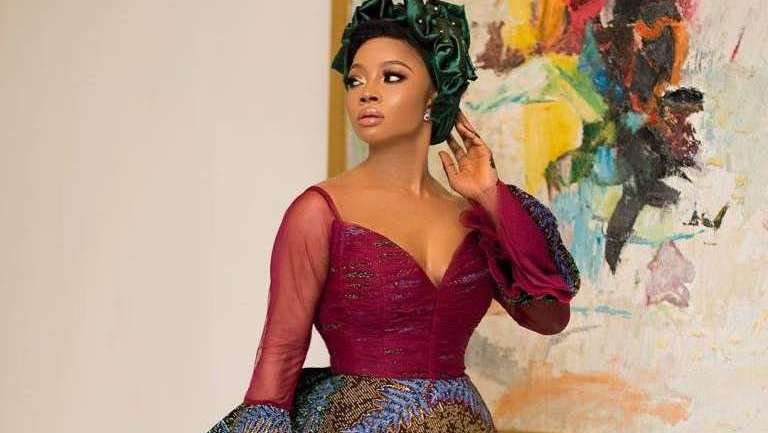 Ankara Styles #463: Bring Out Your Fashionable Self!