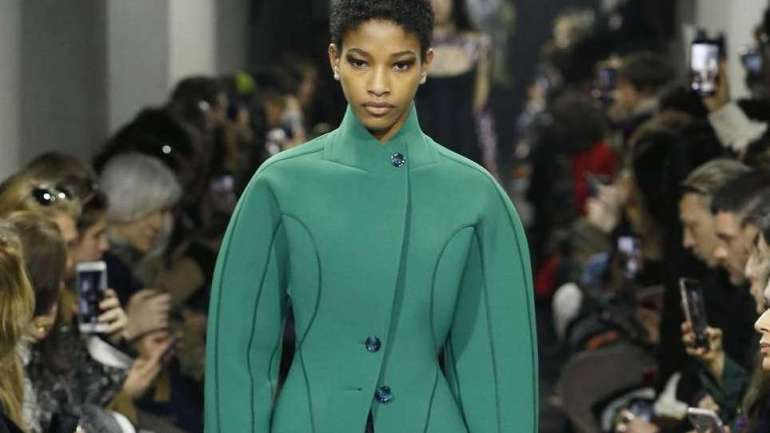12 Great Looks from Paris Fashion Week
