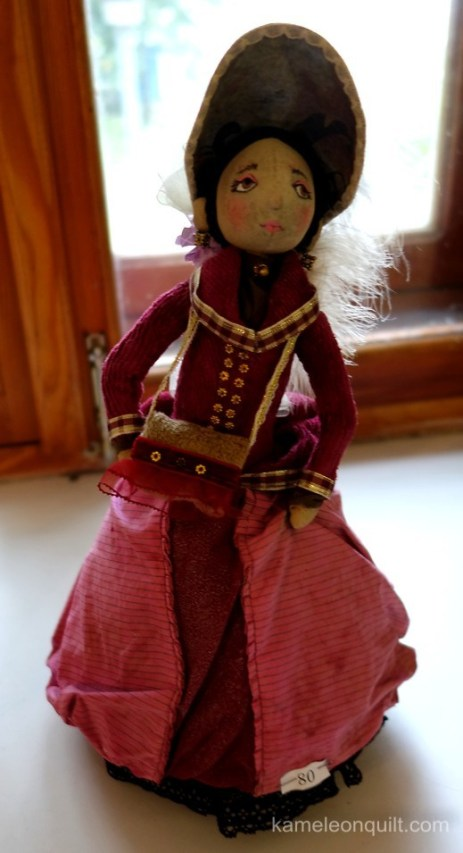 dolls-e18