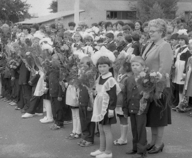 Ніна Канстанцінаўна Сідаровіч са сваім апошнім класам, 1987 год