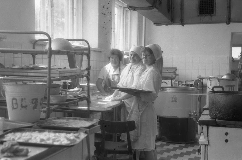 Самое вкусное и тёплое место - школьная столовая, 1989 год