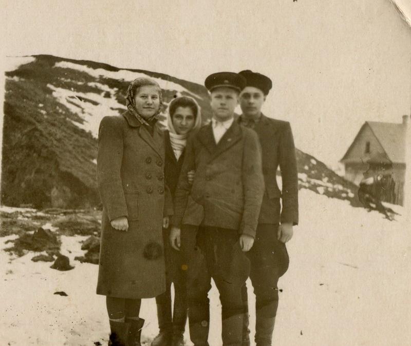 На зданем плане вершина горки, 1950-е годы