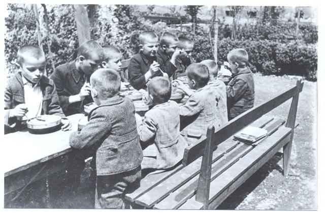 djeca_rame-1942