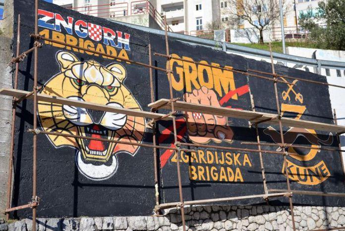 Za to vlahu i u smeta mural torcide s grbovima legendarnih for Mural u vukovarskoj ulici