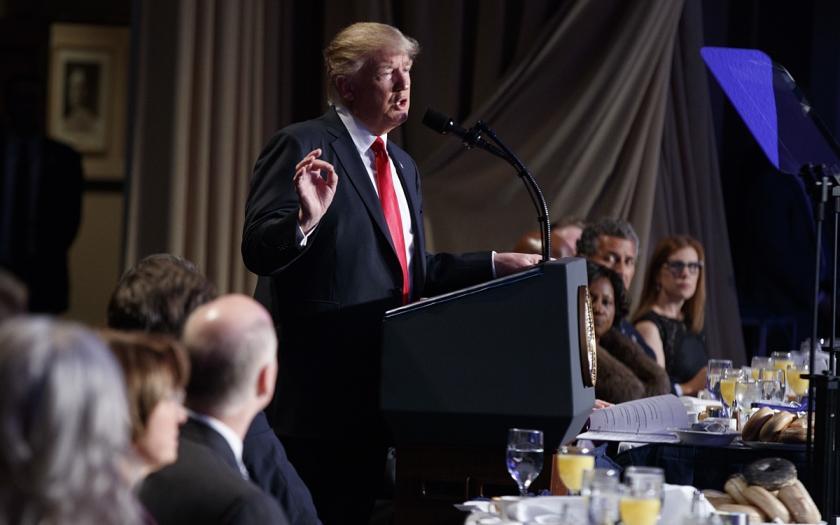 Donald Trump o oslobađajućem izvješću: Sramota da sam kroz to morao proći!