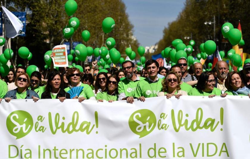 Tisuće Španjolaca u Madridu prosvjeduje protiv pobačaja